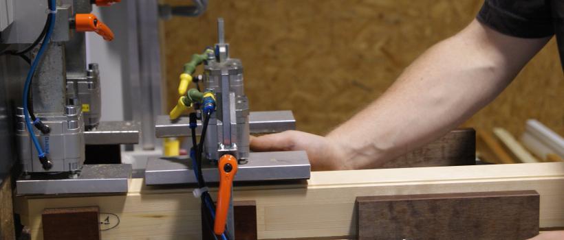 Fabricant menuiserie porte bois alu fenetre bois alu for Fabrication fenetre alu